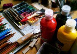 Få bearbejdet dine følelser ved at være kreativ